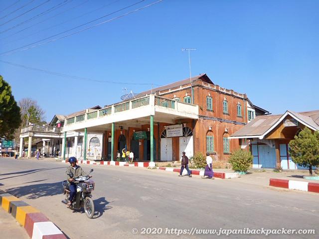 ミャンマー、カローの居酒屋