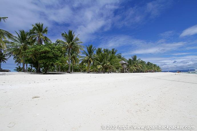 カランガマン島のビーチ