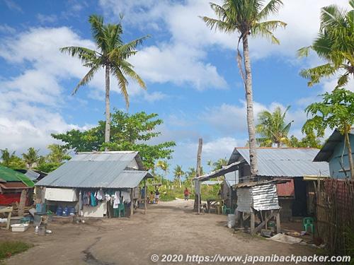 マラパスクア島の村