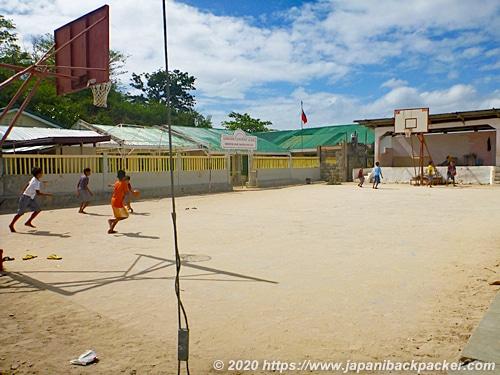 マラパスクア島の学校
