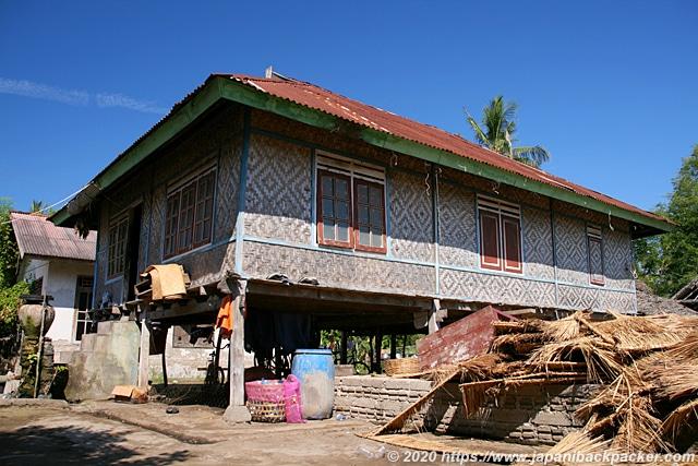 ギリメノ島の民家