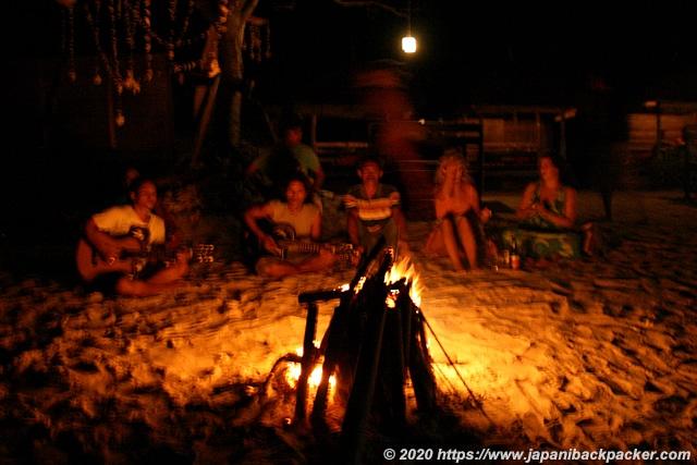 ギリメノ島で焚火
