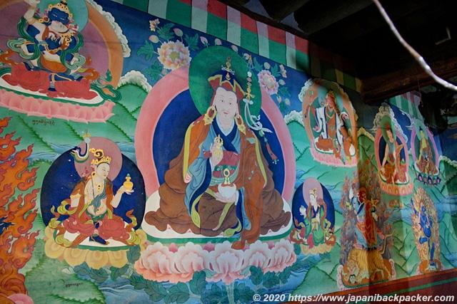 ヘミスゴンパ 仏画