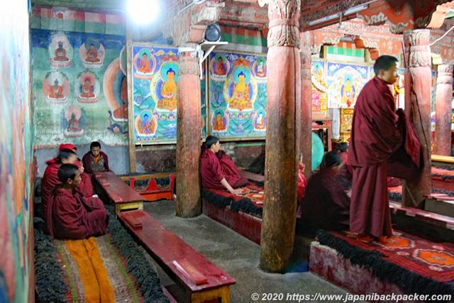 ヘミスゴンパ 僧侶