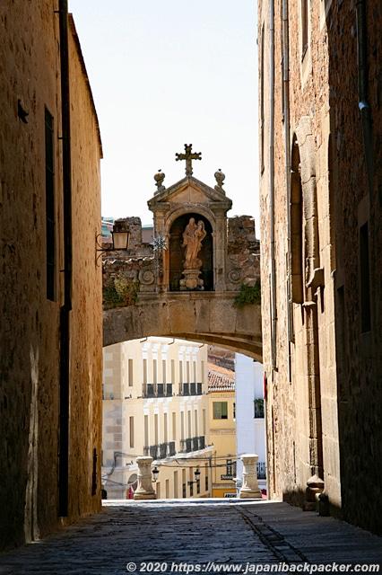 カセレスの旧市街 星の門 Arco de la Estrella