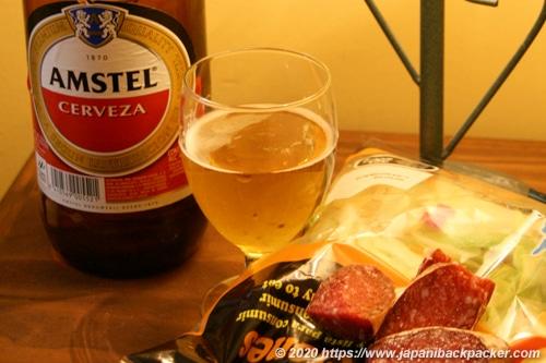 スペインのビール、サラミ