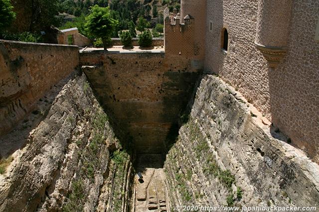 セゴビアのアルカサル 堀