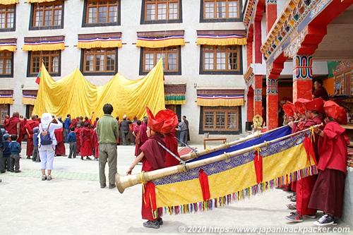 ラマユルゴンパ 儀式