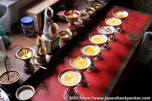 ラマユルゴンパ 蝋燭