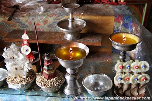 ラマユルゴンパ 油蝋燭