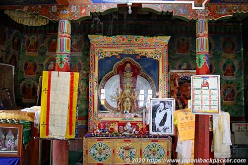 ムルベク チャンバ磨崖仏 仏像