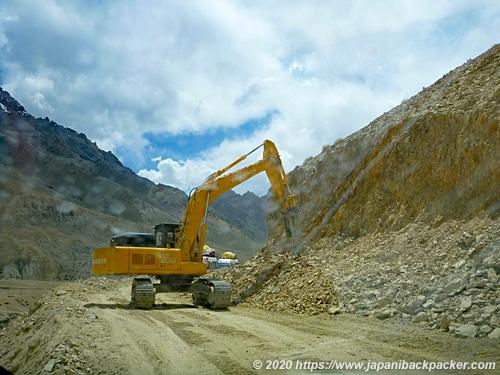 ラダック 山脈 工事